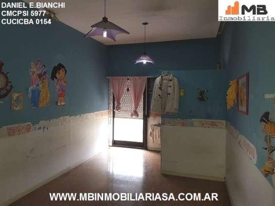 Fotos de Moreno venta casa 4 amb.c/patio, pileta en esteban de luca al 2300. apto credito 10