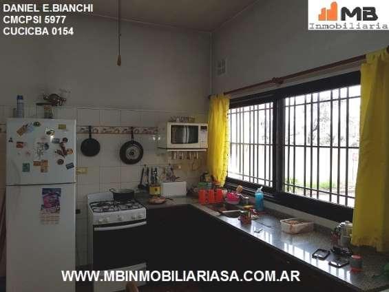 Fotos de Moreno venta casa 4 amb.c/patio, pileta en esteban de luca al 2300. apto credito 3