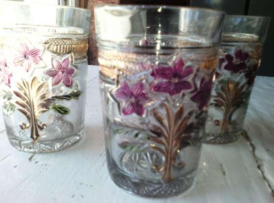 Vasos de vidrio antiguos