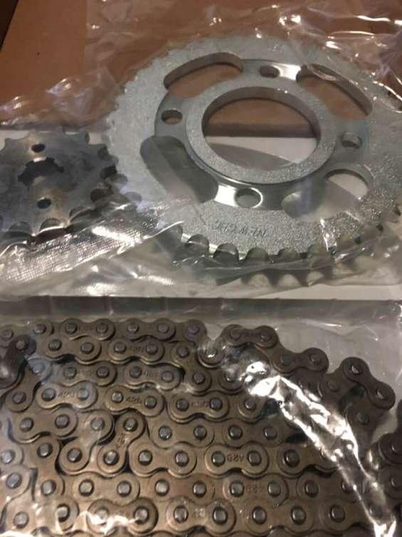 Zanella rx150 kit cadena corona piñon tel 1143057174