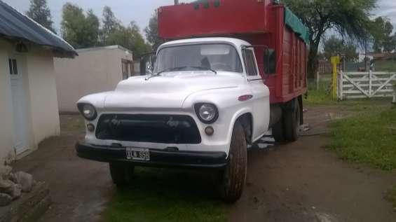 Compro colmenas entrego camion chevrolet 1957 unico con vtv nacional muy buen camion