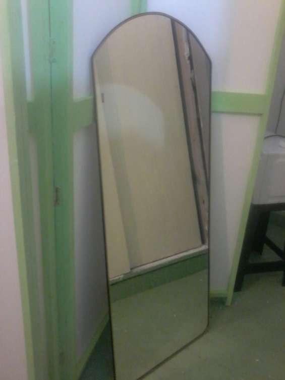 Espejo grande de 1.20 mts x 0.50 mts