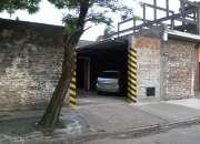 Cocheras cubiertas sobre asfalto en Glew