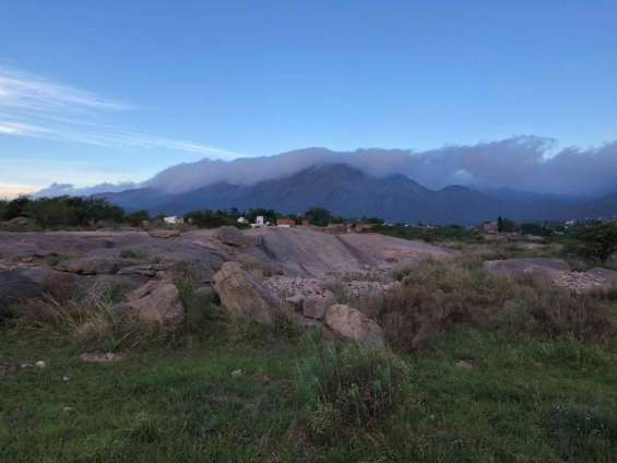 Venta de magnifica hectarea en capilladel monte -cordoba