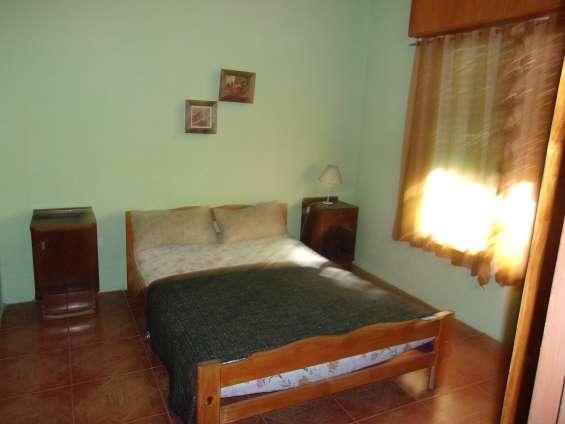 Dormitorio adutos con baño en suit