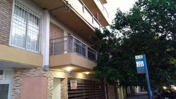 Alquilo monoambiente con balcón mitre 3000