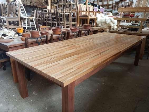 Mesa de eucaliptus para exterior