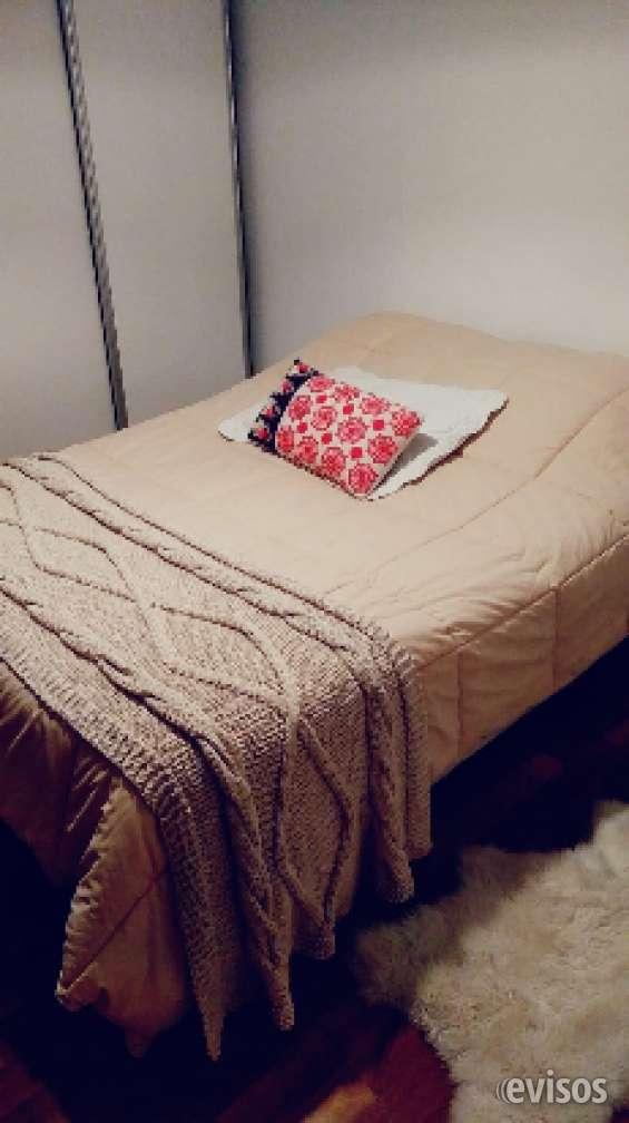 Pies de cama. almohadones. alfombras