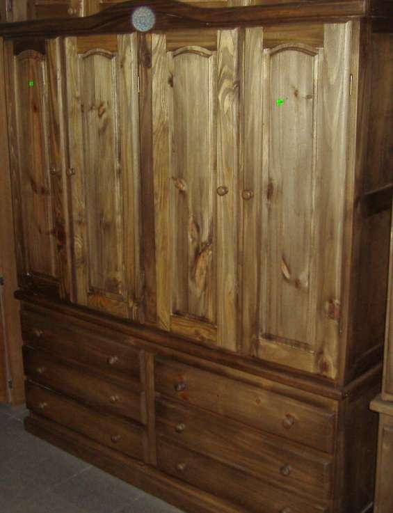 Ropero de madera 1.60 mt