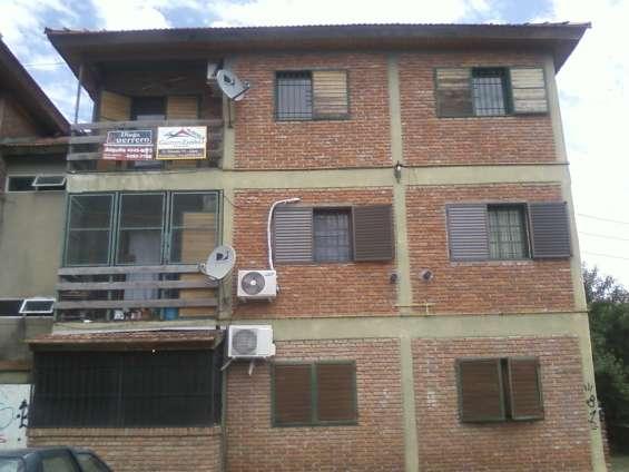 Departamento en 2 piso por escalera en barrio u.p.c.n.