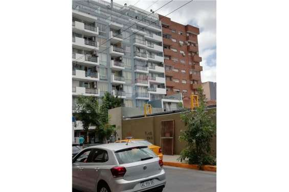 Remax vende departamento en zona plaza colon