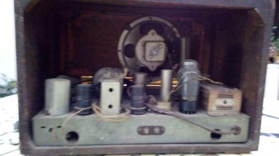 Fotos de 2 radios a válvulas funcionando $4500 6