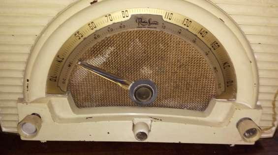 Fotos de 2 radios a válvulas funcionando $4500 10