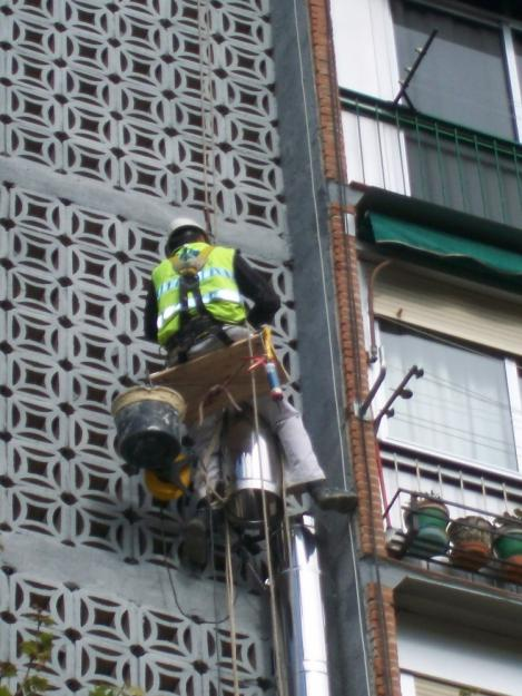 Trabajos en alturas con silletas en abasto