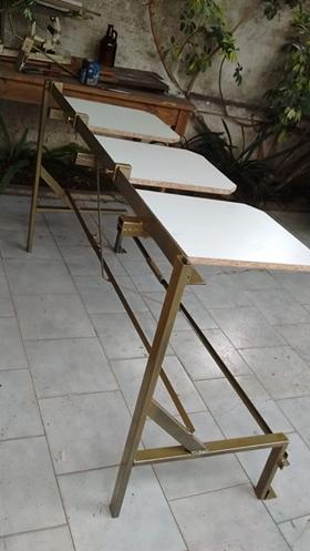 Mesa lineal de 3 portaprendas