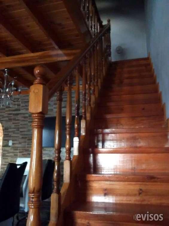 Escaleras en madera. 15-5474-7841.