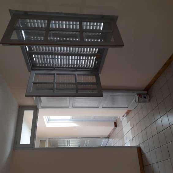 Alquilo casa 3 dormitorios amplios ambientes. placares. un baño. patio terraza. planta al