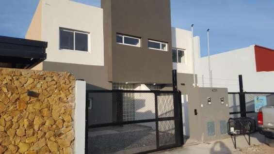 Duplex 1 año 70mts2 lote 5 x 30mts e/ auto