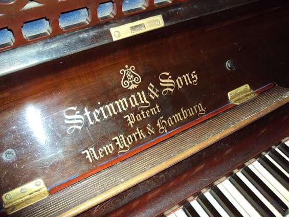 Pianos de cola stenway