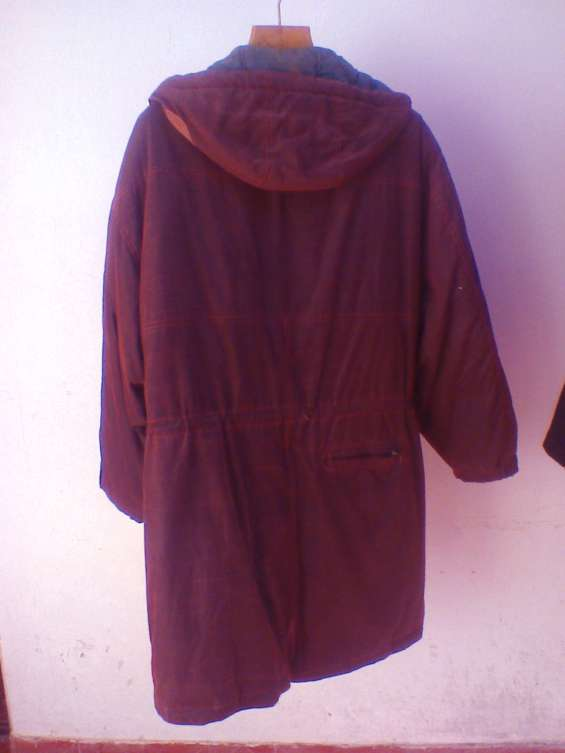 Vendo usado p. única vez - p/viaje. campera importada como nueva c/ capucha, plumas color