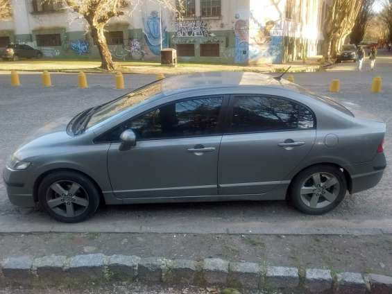 Vendo honda civic aut.