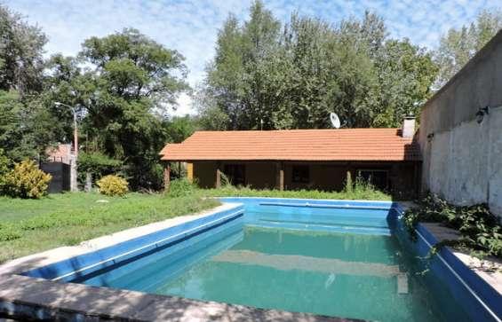 Alquilo chalet 4 dormitorios y pileta. potrero de los funes. tel: 2664888663