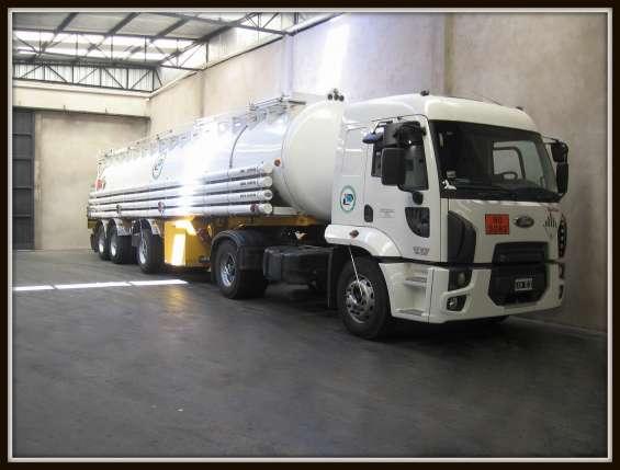 """Transporte y tratamiento de residuos industriales""""la primavera""""(eco truck srl)"""