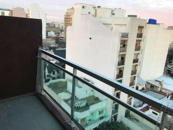 Fotos de Piso alto al contrafrente. impecable monoambiente. edificio piscina 6