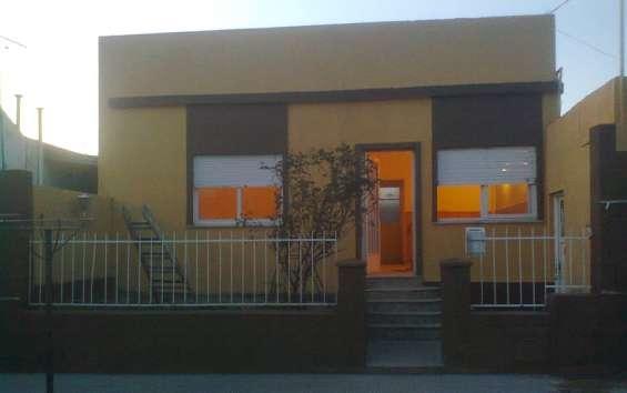 Casa villa mitre 1 dorm.-coc-comedor-living-patio *particular*