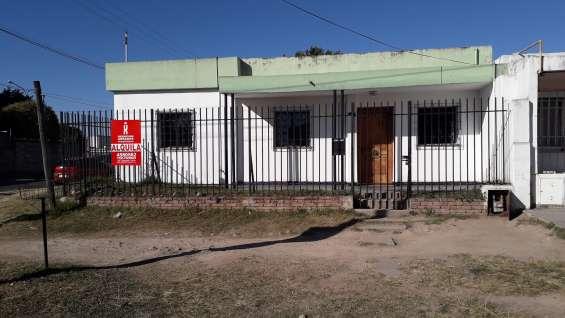 Alquiler bº san cayetano asturias 3396 3dor y patio
