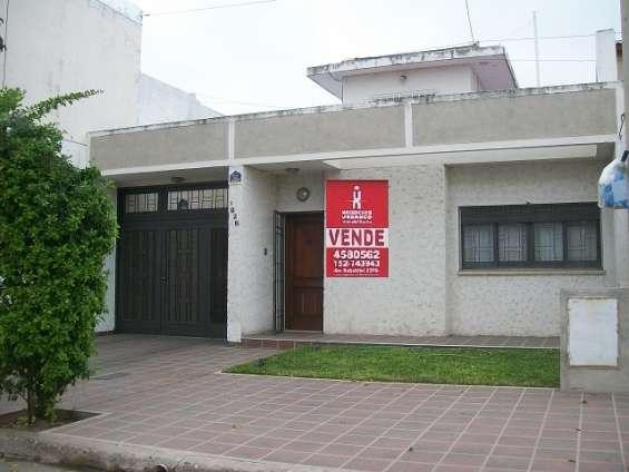 Fotos de Venta casa en bº maipu malaga 1826 4 dor 3 baños cocherax4 1