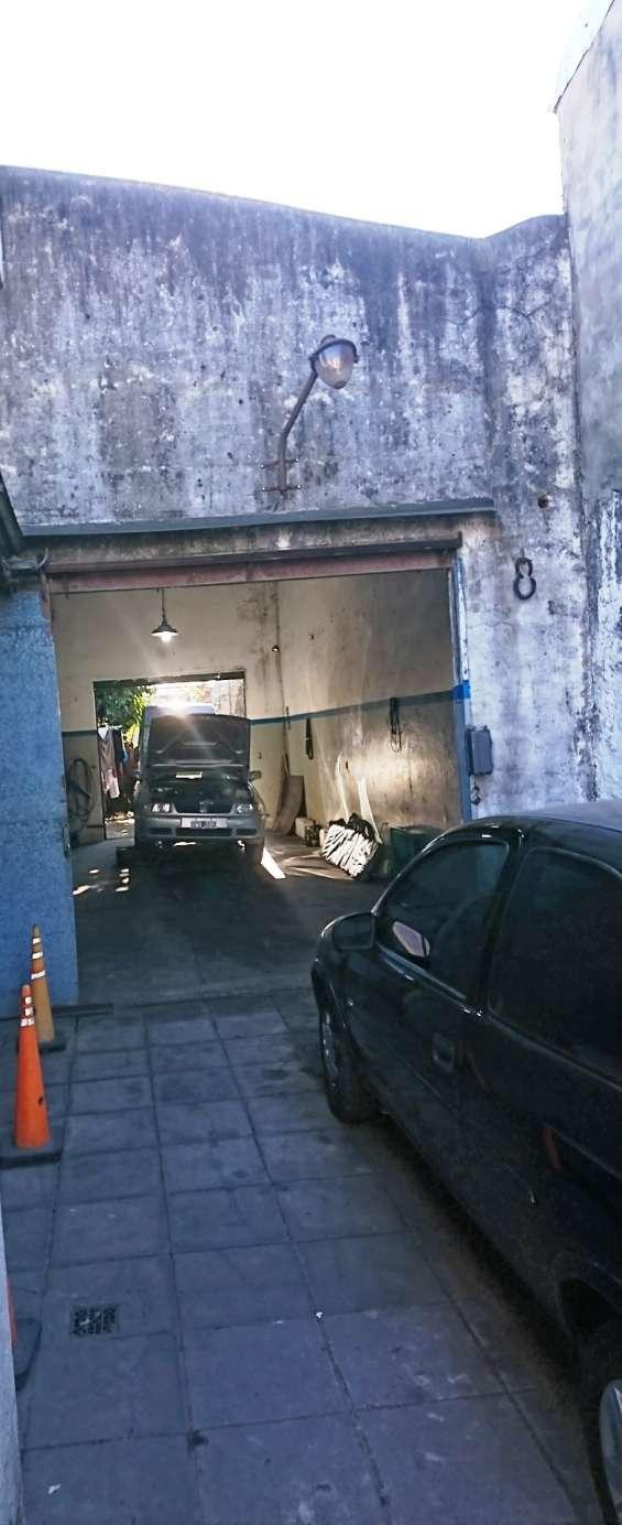 Fotos de Casa con 3 dormitorios más galpón de aprox. 100 mts. cubiertos (zona industrial) 5