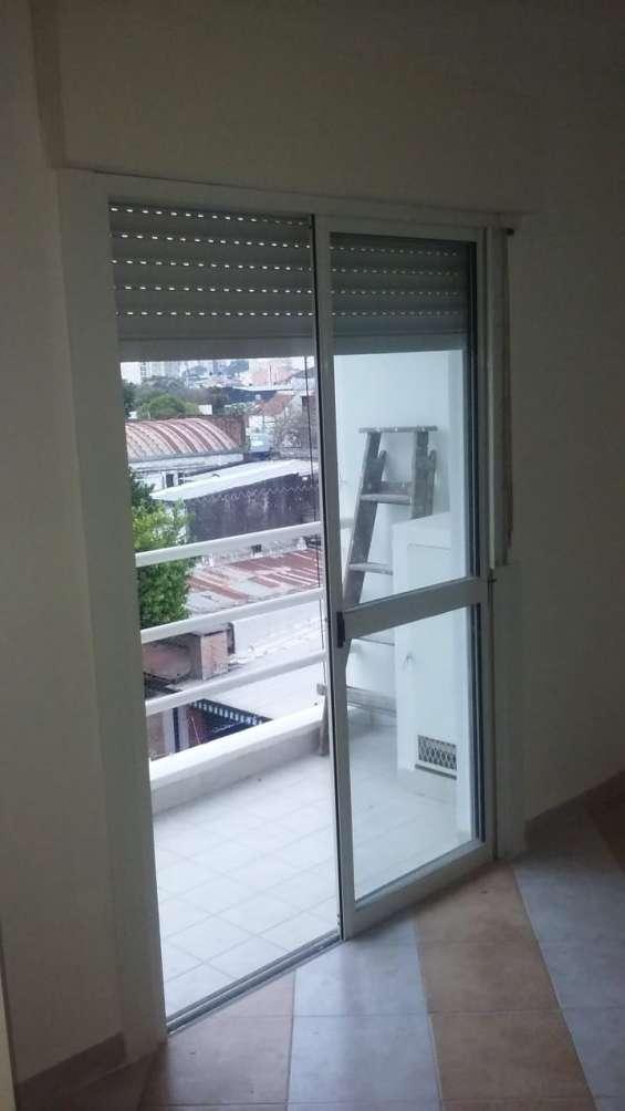 Departamento dos ambientes  - balcon