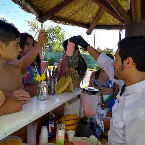 Fotos de Barra tropical alquiler, barra movil para fiestas. marcelino catering en rosario