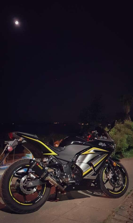 Fotos de Vendo kawasaki ninja 250r 2012 10.800 millas 4