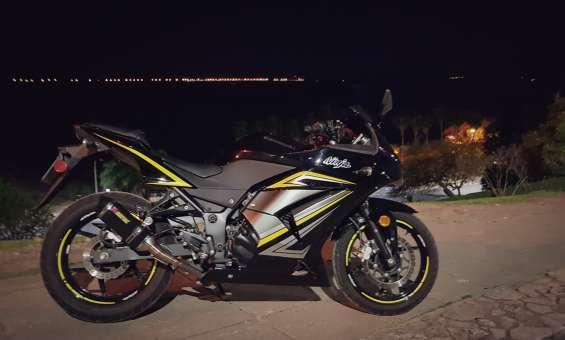 Fotos de Vendo kawasaki ninja 250r 2012 10.800 millas 3