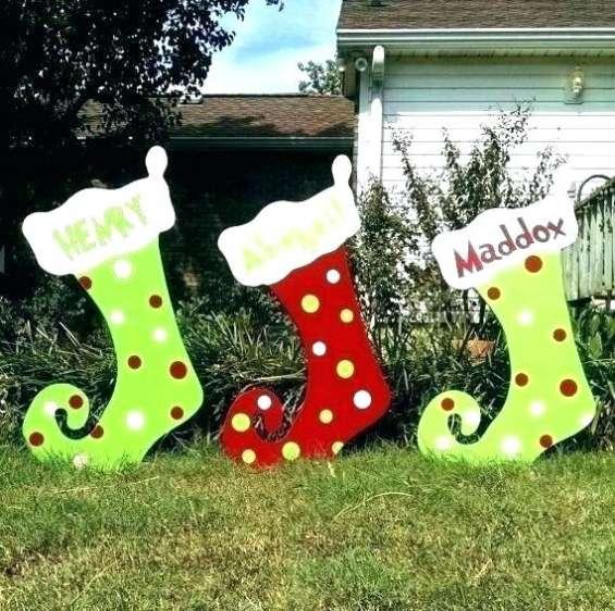 Arbol de navidad y decoraciones navideñas