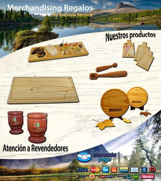 Platos de madera fuentes cuencos