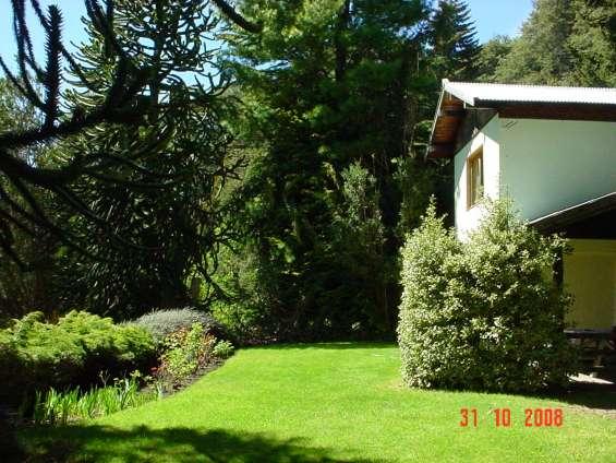 Terraza delante de la casa
