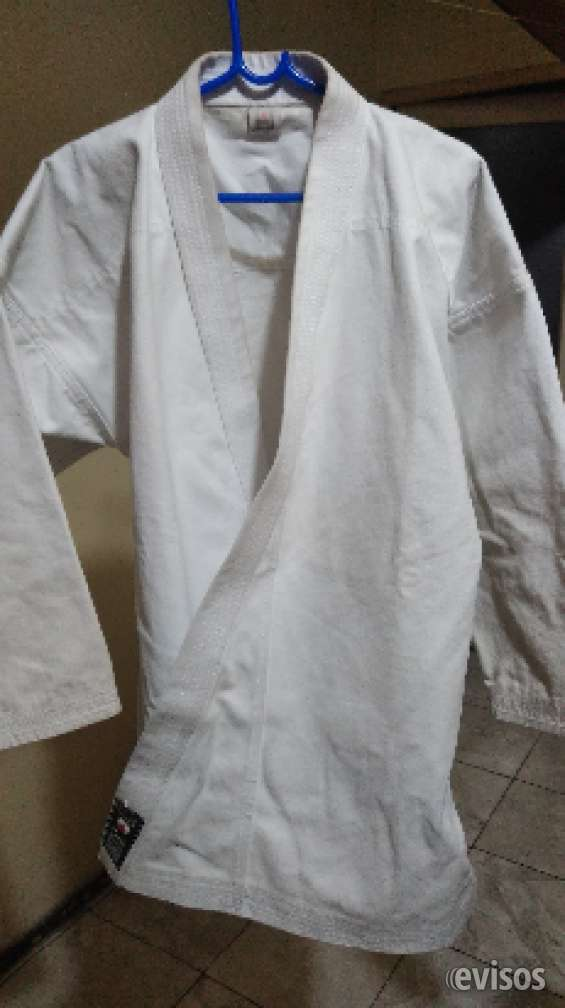Vendo karategui en excelente estado talle 48 shiai pesado