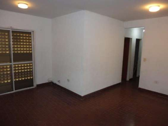 Departamento 3 ambientes en primer piso - barrio coca cola