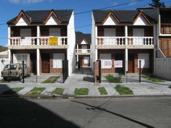 San bernardo, triplex, 3 dormitorios, 5 plazas, cochera, patio y parrilla, la rioja 2260