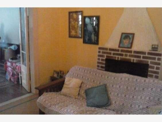 Recepción con hogar/chimenea
