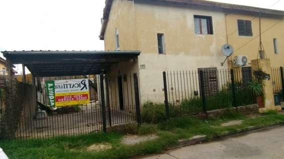 Duplex en barrio policial - ministro rivadavia