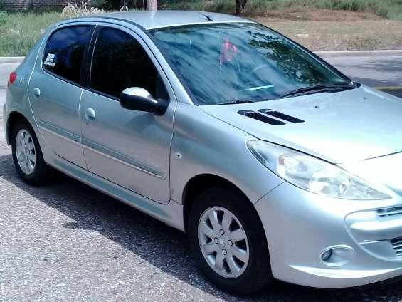 Peugeot 207 compac allure 2012