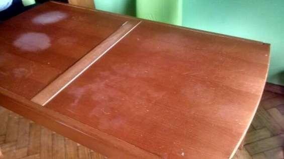 Vendo mesa rectagular mas 4 sillas