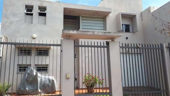 Se vende casa con excelente renta actual en cerro de las rosas